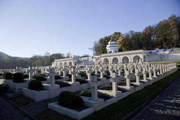 мемориал-польских-орлят